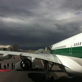 Descente d'avion du pape à Quito